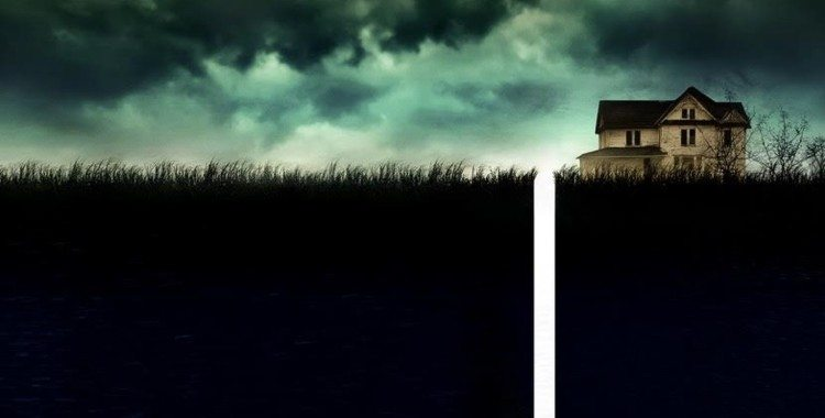 """""""10 Cloverfield Lane"""" Changes the Game For Science Fiction Thrillers and Succeeds"""