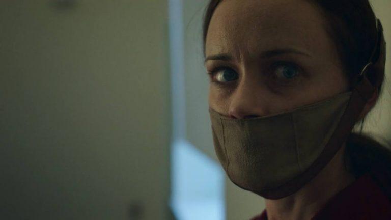 handmaid's tale pilot episode recap review
