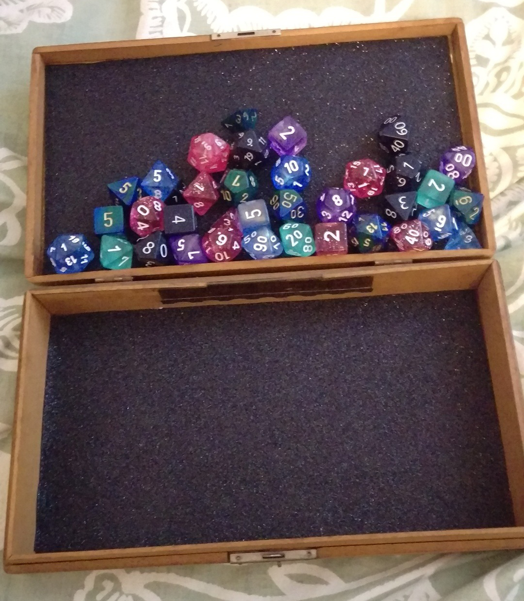 how to build you own dice rolling tray