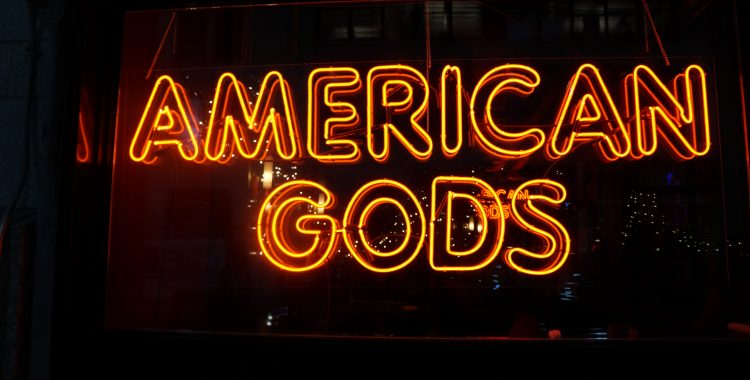 NYCC 2017: 'American Gods' Brought Jack's Crocodile Bar to Life in NYC for the DVD Release Party